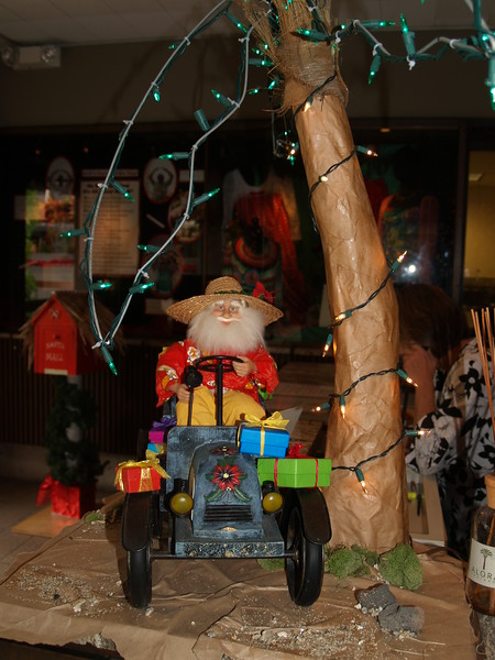 2011 Outrigger Christmas Decorations