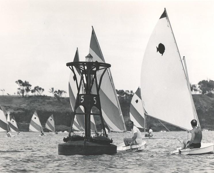 Sailfish rounding buoy Kauai