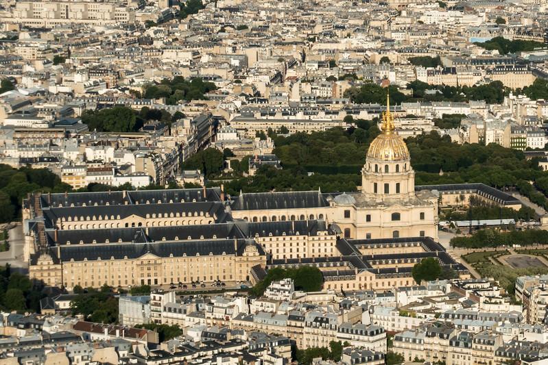 Tombeau de Napoléon (and Le Musée de l'Armée) from the top of La Tour Eiffel.