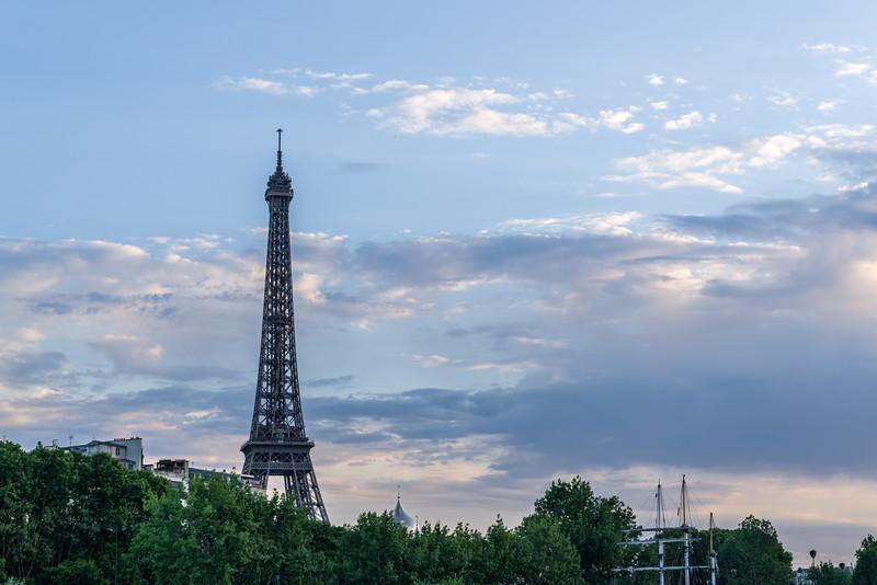 La Tour Eiffel as seen from la Seine.