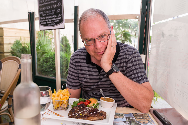 Bryan sticking primarily with rib eye, but had frites as well. The French pepper sauce is quite mild.
