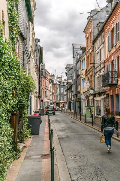 A side street in Hanfleur.