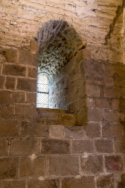 Notice how thick the walls are. This crypt is a major support for the buildings above it.