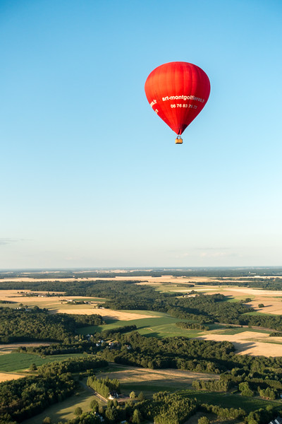 One balloon over the farmlands around Chenonceaux.
