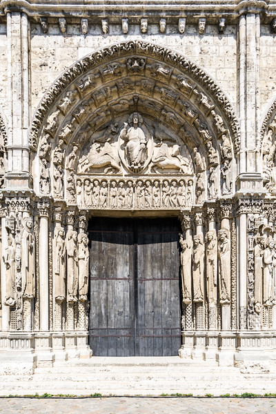 Middle doors of the Royal Portal