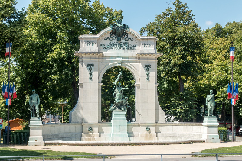Memorial to those who died for France.