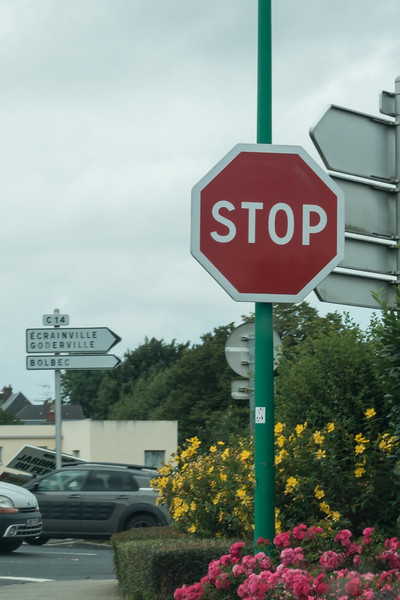 Americal style STOP signs, even in France.