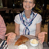 Great apple pie with ice cream and chantilly! (Chantilly == good!)