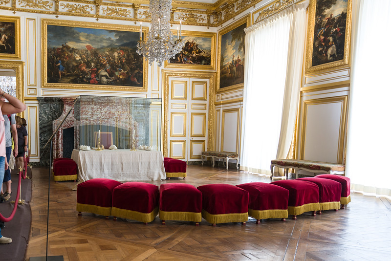 Salon of the Grand Couvert (room of the big place setting!) where people could come and watch the king and queen eat. Part of the Queen's Grand Apartment.