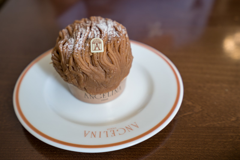 What would lunch be without dessert? Naomi had Le Mont-Blanc.