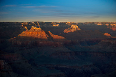 Pima Point. The sun splashes the West-facing formations 4 minutes before it sets.