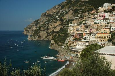 A boat loads for Capri