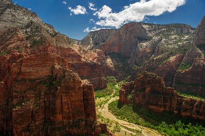 View from the end of the West Rim trail, near the start of the Angels Landing trail