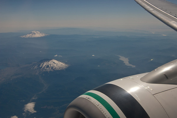 mt st helens & mt rainier