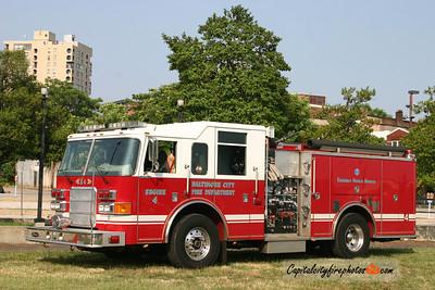 Baltimore Engine 4: 2006 Pierce Enforcer 1250/500