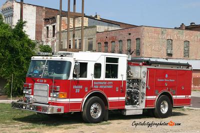 Baltimore Engine 33: 2006 Pierce Enforcer 1500/500/10