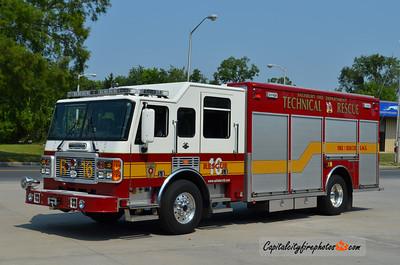 Salisbury Rescue 16: 2001 American LaFrance Metropolitan