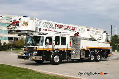Deptford (Gloucester Co.) Tower 936: 2006 KME 2000/300 102' Aerialcat