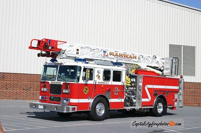 Mahwah (Bergen Co.) Ladder 2: 2006 Seagrave 75' Meanstick