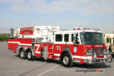 Yonkers (Westchester Co.) Tower Ladder 71: 2007 American LaFrance/LTI 75'