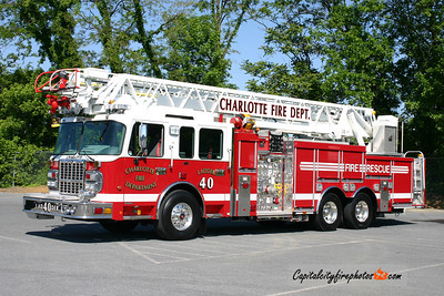 City of Charlotte (Mecklenburg Co.), NC Ladder 40: 2009 Spartan Gladiator/Smeal 2000/370/30 105'