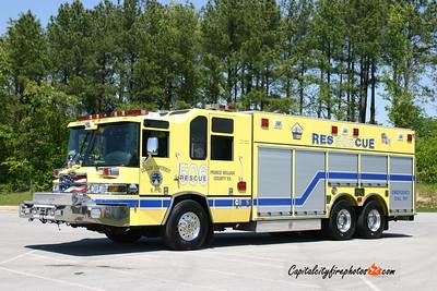 Coles District (Prince William Co.) Rescue 506: 2005 Pierce Quantum
