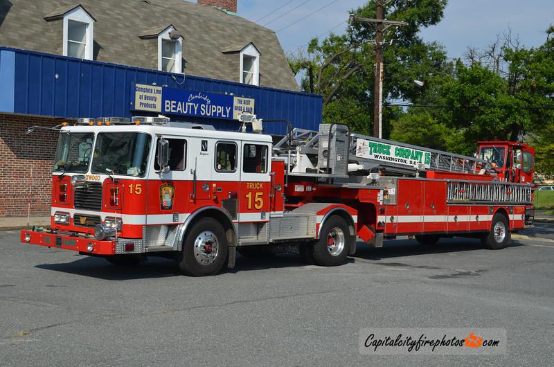 Washington, DC Truck 15: 2006 Seagrave 100'