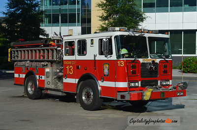 Washington DC Engine 13: 2005 Seagrave 1500/500