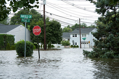 Rochelle Pk NJ, Passaic St & Fairfield Dr. widespread flooding.