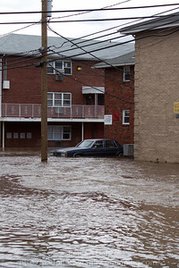 Lodi NJ, Main St in area of Kennedy Dr severely flooded with 5+ ft of water and rising.