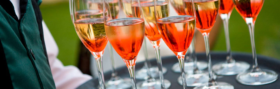 5. I like these colourful champagne cocktails!