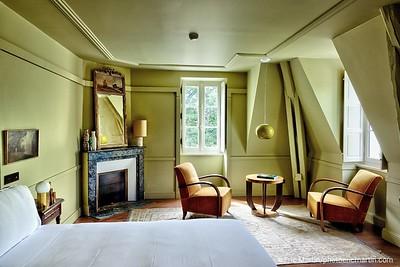 FRANCE. VAL DE LOIRE. OUVERTURE DE L HOTEL LES SOURCES DE CHEVERNY. INTERIEUR DU CHÂTEAU DU BREUIL