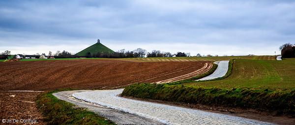 1212 Belgian Landmarks in Perspective