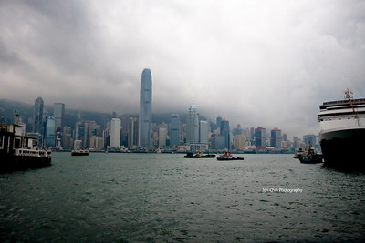 Hong Kong 08 - Victoria Harbour, Avenue of Stars & The Peninsula Hotel