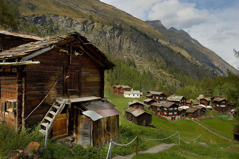 Village of Zum See on the way down to Zermatt from the Materhorn