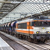9905 at Amsterdam Centraal with hoppers