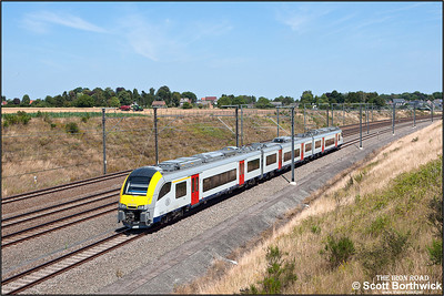 Siemens Desiro ML, SNCB/NMBS AM08 EMU, 08155 passes Kortenburg on 03/07/2014.