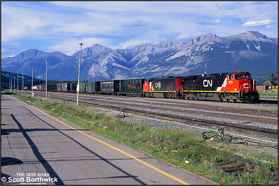 2610+2453 await a replacement crew at Jasper on 03/07/2001.