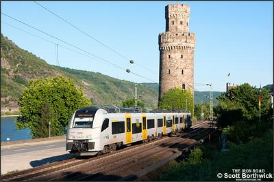 Siemens Desiro ML, 460 505-1 forms Trans Regio MittelrheinBahn service MRB25354 1832 Mainz Hbf-Koblenz Hbf leaving Oberwesel on 03/07/2014.