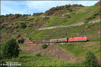 152 128 emerges from the 367m Petersberg Tunnel at Neef whilst working a southbound short mixed freight on 02/09/2016.