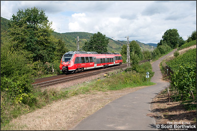 442005/505 approaches Bullay whilst forming RB12108 1017 Koblenz Hbf-Trier Hbf on 29/08/2016.