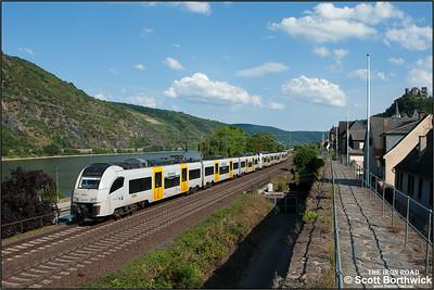 A pair of Siemens Desiro ML's 460 006-0 + 460 013-6 form Trans Regio MittelrheinBahn service MRB25346 1632 Mainz Hbf-Koblenz Hbf at Oberwesel on 06/07/2014.