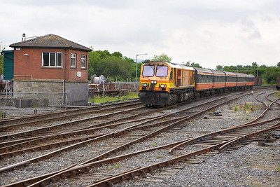 216 arrives at Limerick Junction on 10/06/2005 with the 1145 FO Cork-Dublin Heuston service.