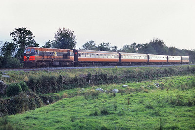 148 approaches the N22 Killarney-Cork road level crossing to the south east of Killarney on 01/10/1998 with the 1710 Tralee-Cork service.