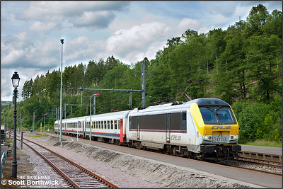 CFL Class 3000, 3018, arrives at Clervaux whilst working IR119 1455 Liège-Luxembourg on 18/07/2012.