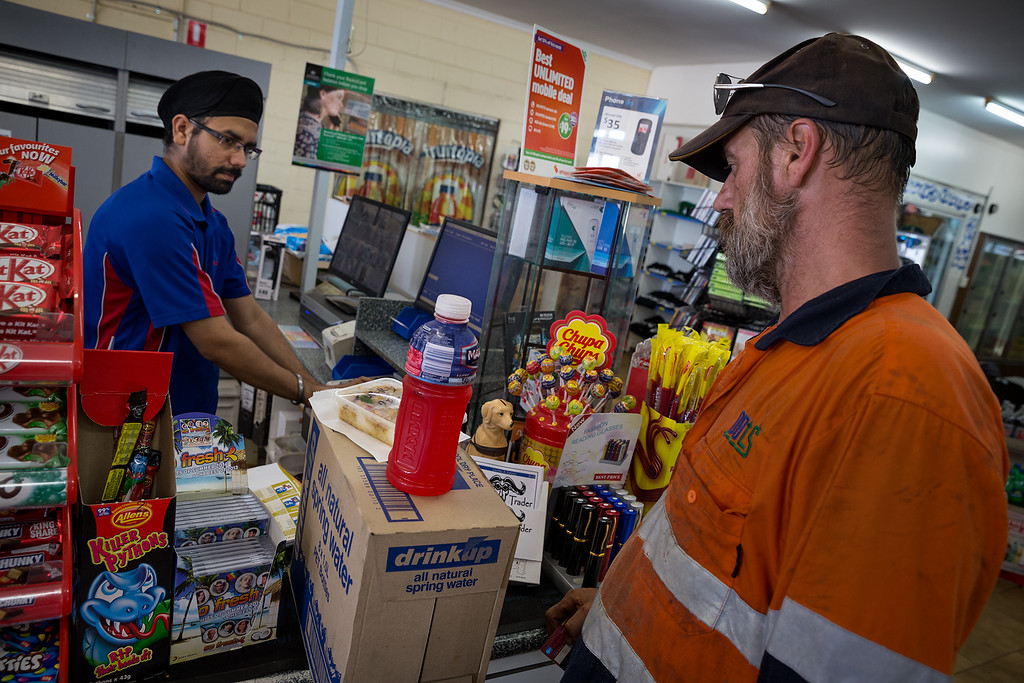 Truckdriver shopping