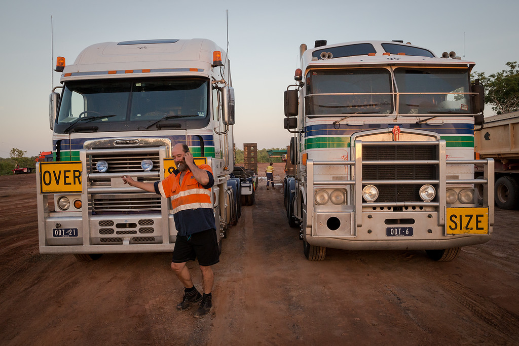Drivers receiving new cargo