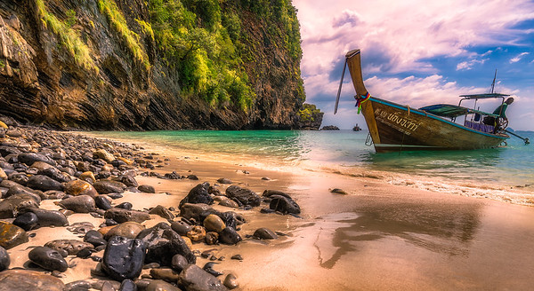 """The Secret Beach"" @ Ko Phi Phi (Thailand)"