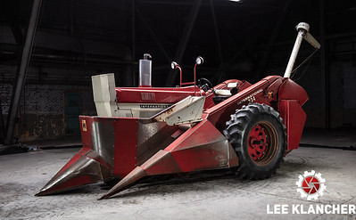 1973 IH 766 with Corn Picker - Andrew Tucker