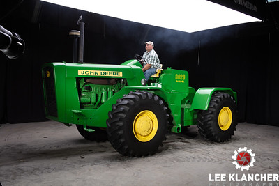 1960 (64?) John Deere 8020 - William Don